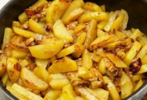 Картофельное рагу с яблоками