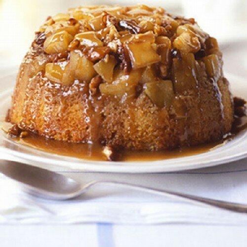 Яблочный пудинг с орехами