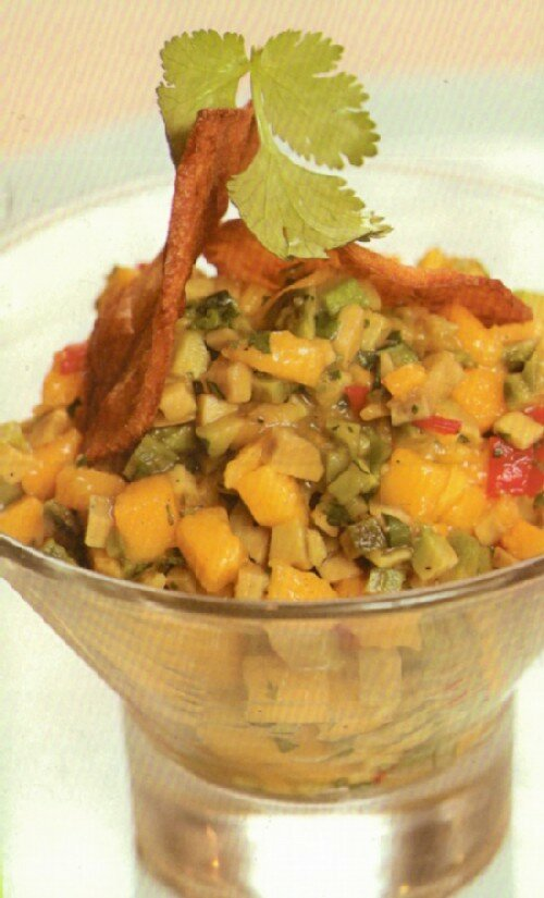 Острый салат из манго и авокадо с чиасами