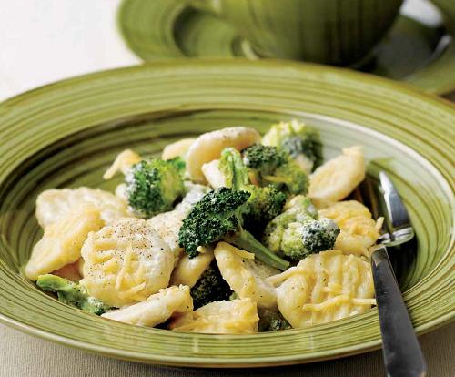 Картофель с брокколи и сыром